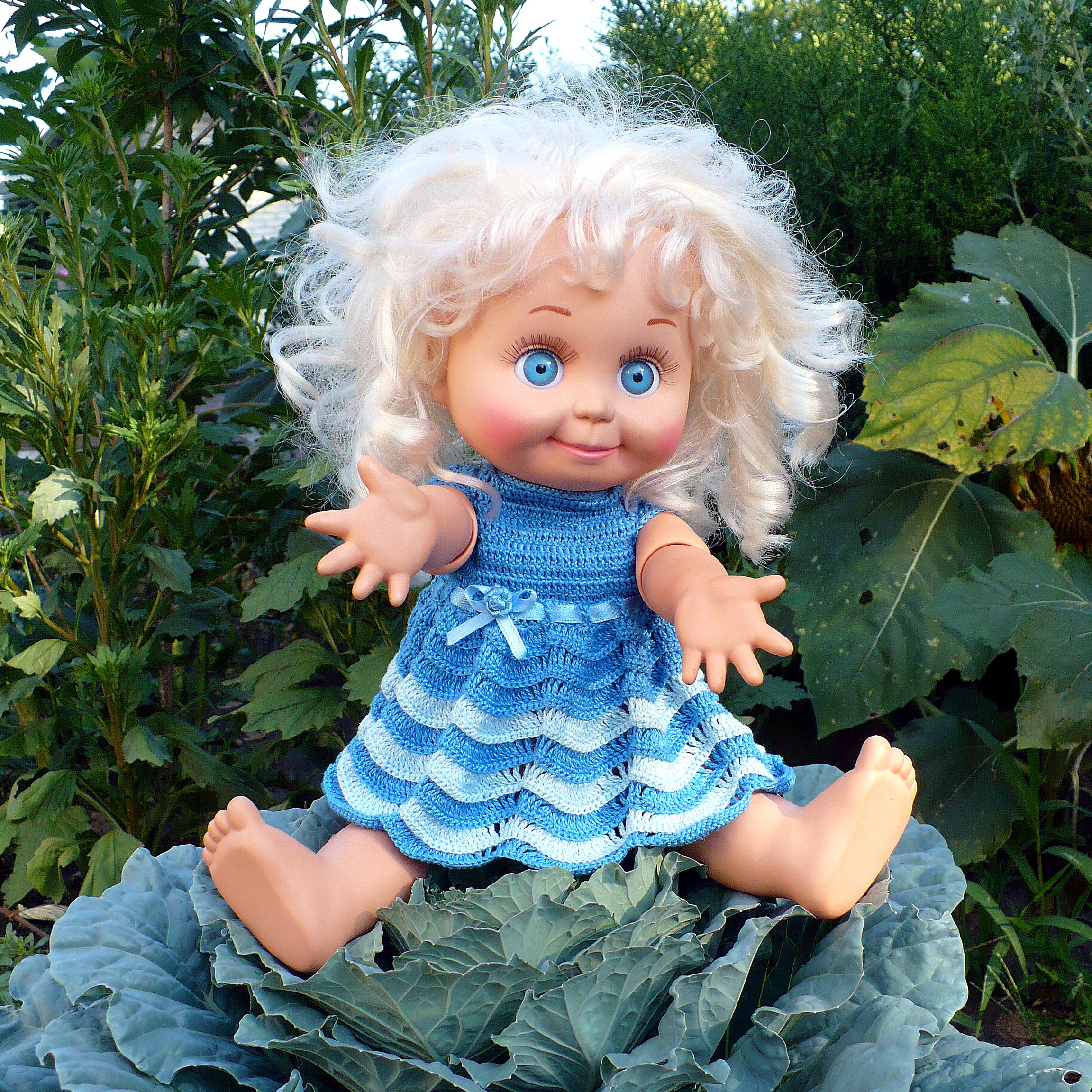 Как связать платье крючком для куклы