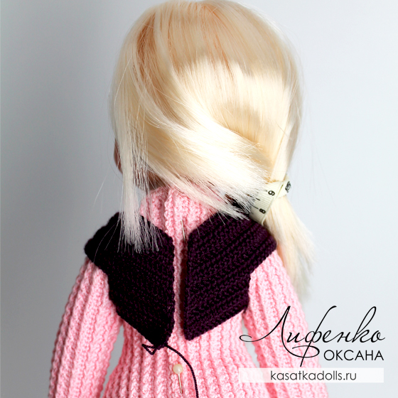 вязаная одежда для кукол жилет