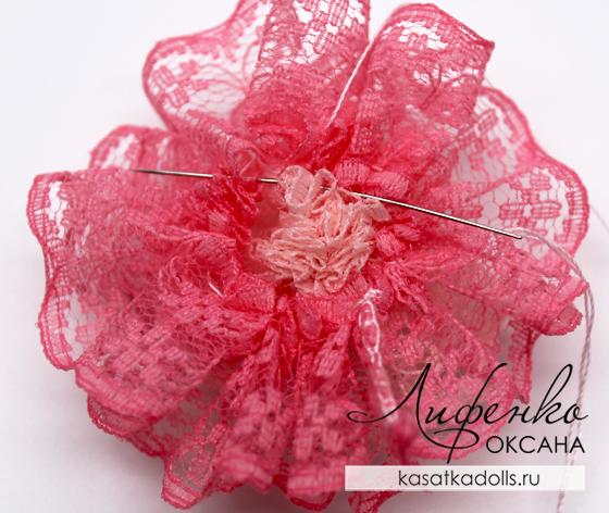 цветок из кружева