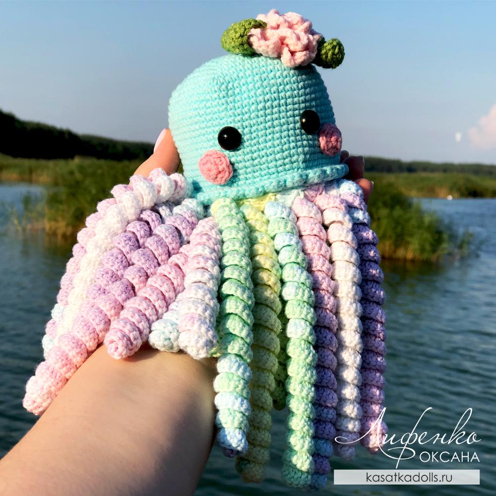 медуза-перевертыш крючком